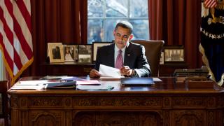 President-obama-desk